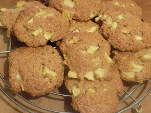 Apple & Oatmeal Cookies