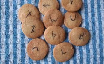 Shortcake Biscuits with Rune Symbols