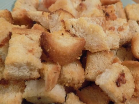 How To Make Garlic Croutons